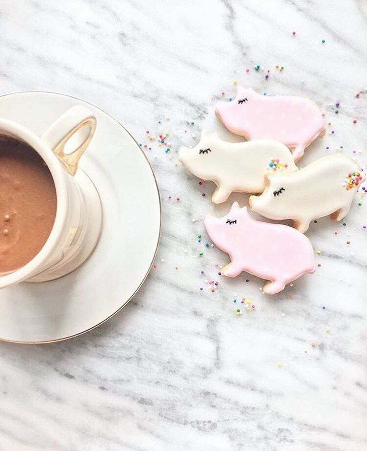 It's time to bring home the bacon with our Pig Cookie Cutter. Available for purchase in mini (2 inch), standard (3 inch), and large (4 inch) sizes. Browse more animal cookie cutters today! Shipping is
