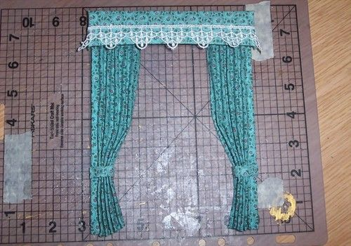 Learn to make dolls house curtains with Elwendell aka Artist Vanessa Parry