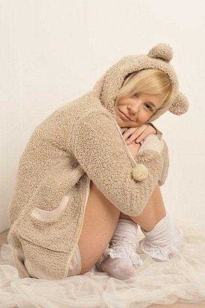 http://www.taringa.net/mi/pin/#LolitaOxel