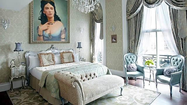 bedroom.: Decor, Courtesan Boudoir, London, Pearls Suits, Grosvenor Hotels, Vintage Bedrooms, Cora Pearls, Boudoir Bedrooms, Bedrooms Ideas