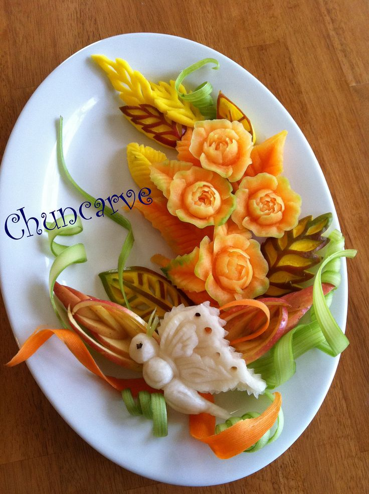how to cut cantaloupe for fruit platter