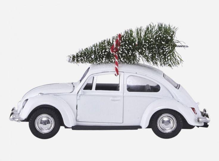 Flott julepynt, bil med juletre på taket - x-mas car fra House Doctor.  Lengde 12,5 cm