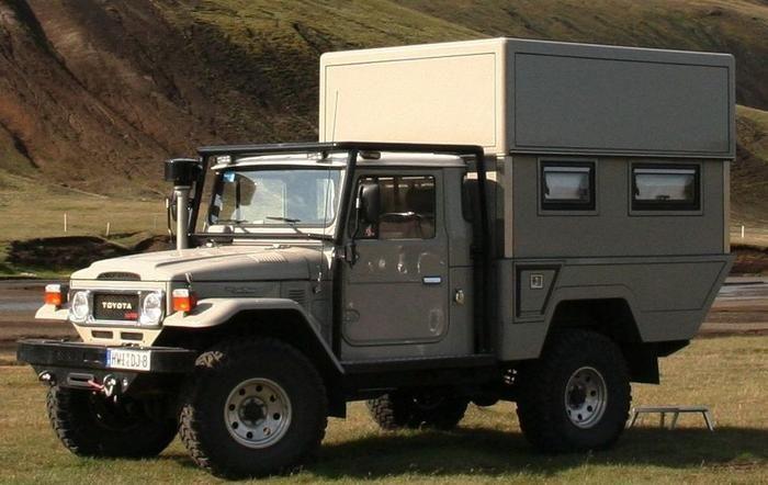 40 series cab, 80 series chasis, custom hydraulic pop up camper