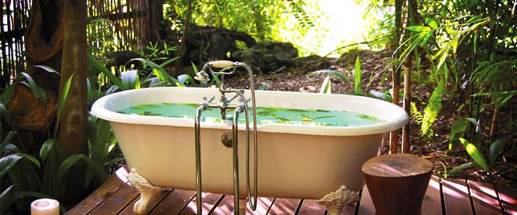 Deep soak Bush Bath with Pimento and Leaf-of-Life.