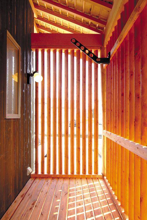 「長浜市「ばぁばの絵と暮らす木の家」」の詳細ページ。木の家専門店 谷口工務店は滋賀No.1の社員大工数を誇るプロ集団。木造注文住宅ならではの感動の住空間をお約束します。新築・改築・リフォーム・リノベーション・古民家再生もおまかせください。
