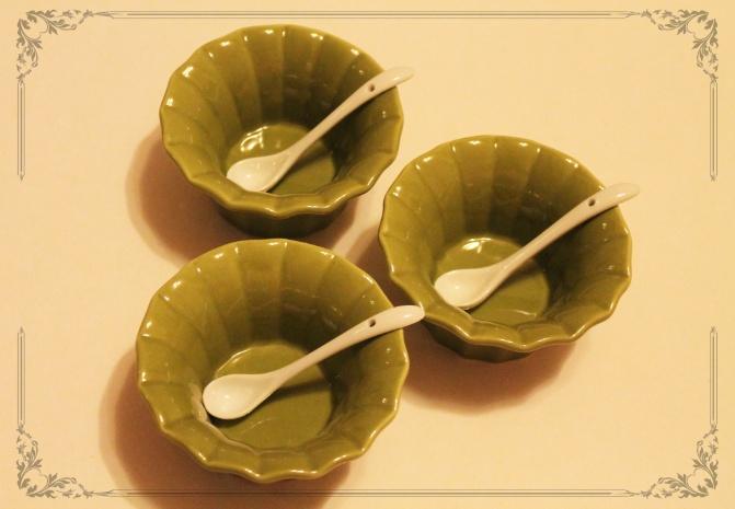Set 3 Pocillos Verde Con 3 Cucharas  $4000