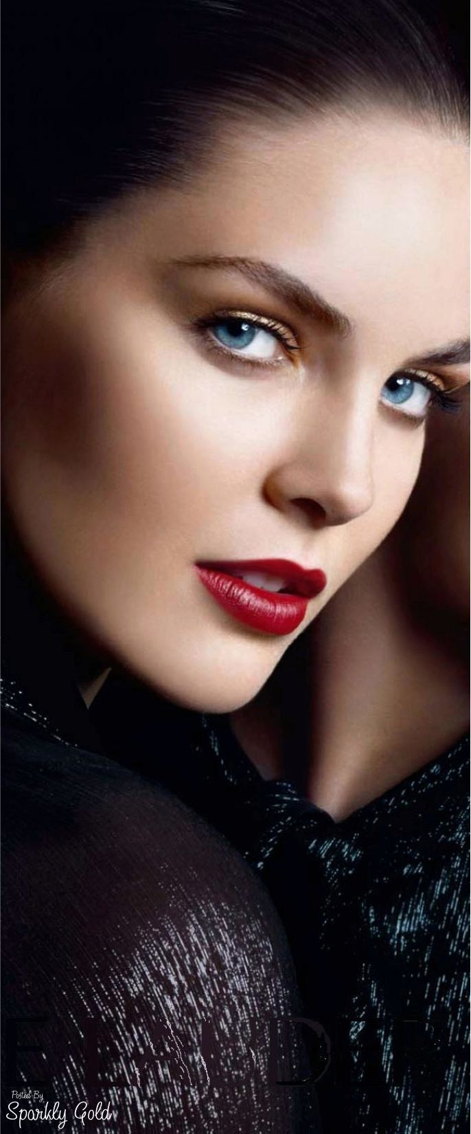 The beauty of Hilary Rhoda's scintillating red kissable pout