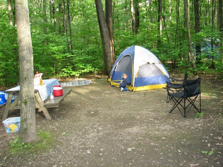 If you're planning to go camping this summer, here's a complete camping list, and 3 day meal plan. Make sure you bring everything you need, by printing this great family camping list.