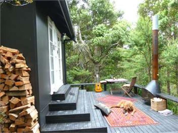 Piha Holiday Chalet Rental - 1 Bedroom, 1.0 Bath, Sleeps 2