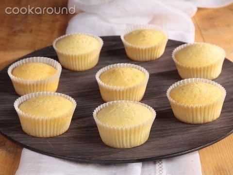 Cupcakes bianchi (base): Ricette Dolci | Cookaround