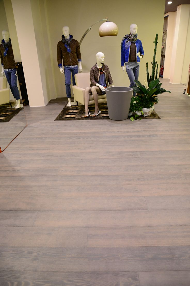 All BertiStudio wood flooring is finished with natural colour pigments that bring out the wood's grain. The result is an extensive assortment of finishes and shades.  #parquet #parquetlovers