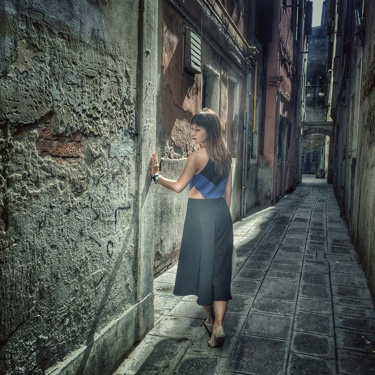 Peggy hartanto jumpsuit Venice  Photo idea