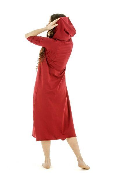 Odoro.ru - Платье с капюшоном вишневое