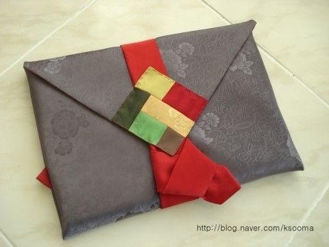 Beautiful hand-made silk wrapping cloth/pouch 달숲의 실로 짓는 이야기 : 네이버 블로그
