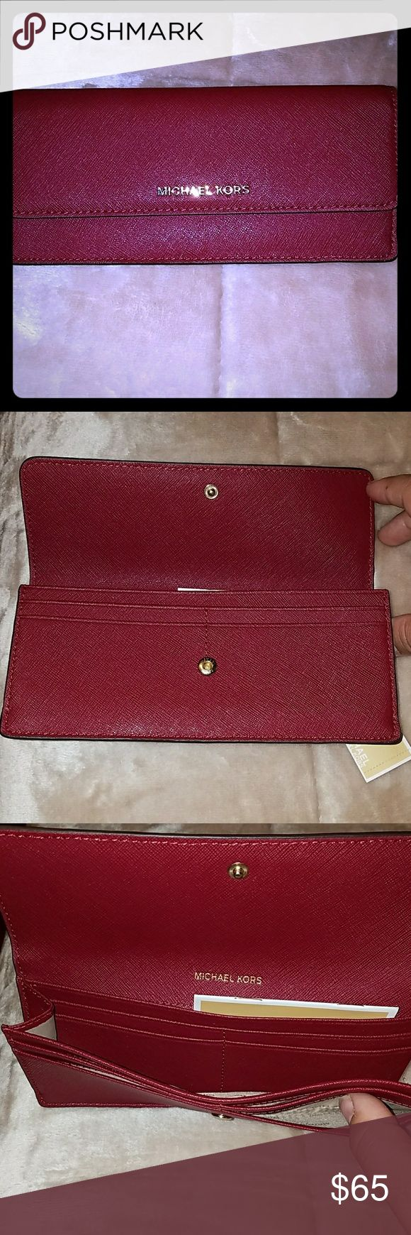 Michael Kors wallet Money pieces. Flat wallet leather. Color is mulberry. Wallet has 8 card slots and a zip up pocket for change. Hardware is gold. Michael Kors Bags Wallets