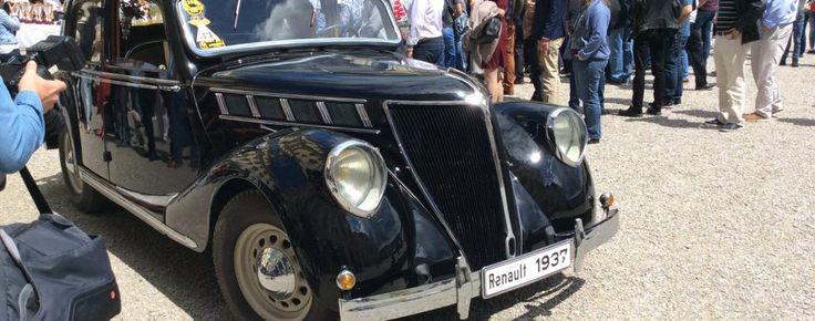 RETRO Classics meets Barock: 1937 Renault Vivaquatre 14CV