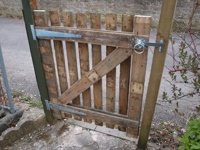 Pallet Fences A Collection Of Ideas To Try About