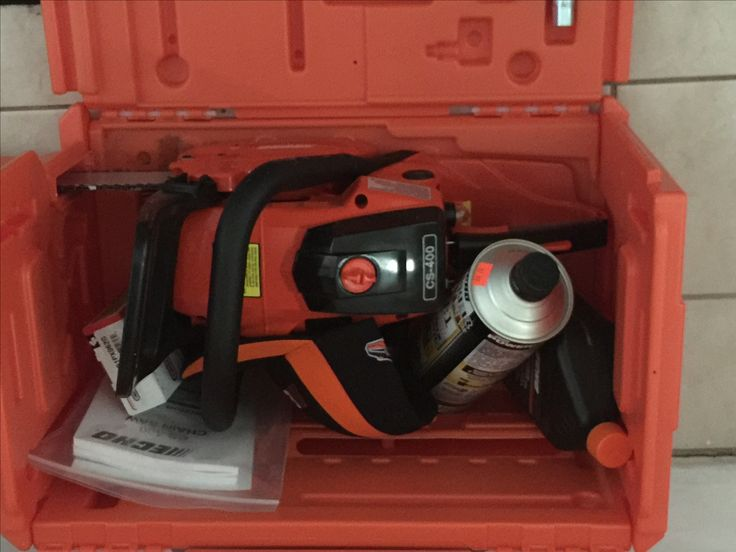 CS -400 Echo chainsaw  Brand New never used Manual, carrying case, all maintenance oils included, also company cap.