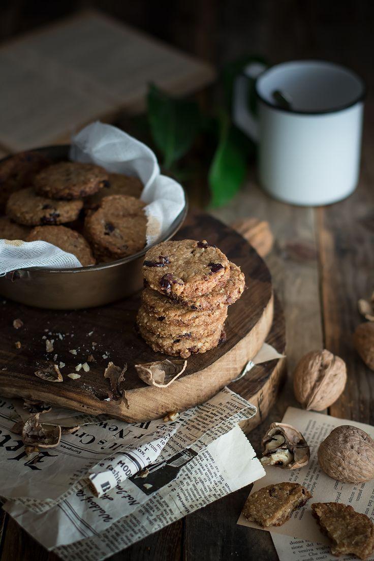 Biscotti ai cereali, noci e mirtilli