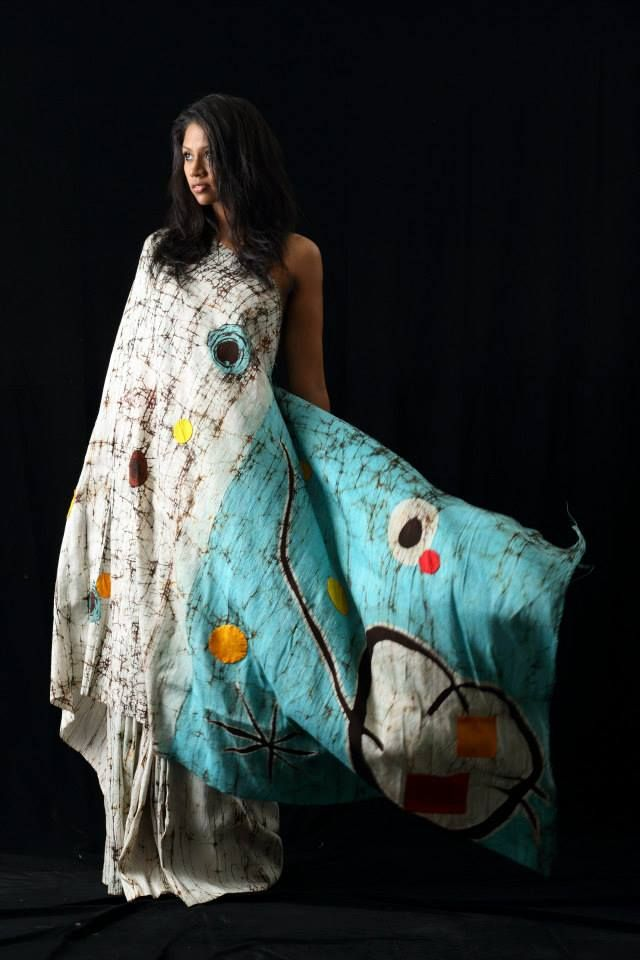 Ohé Island BY NELUN HARASGAMA Painter/Designer turns saree into her canvas.