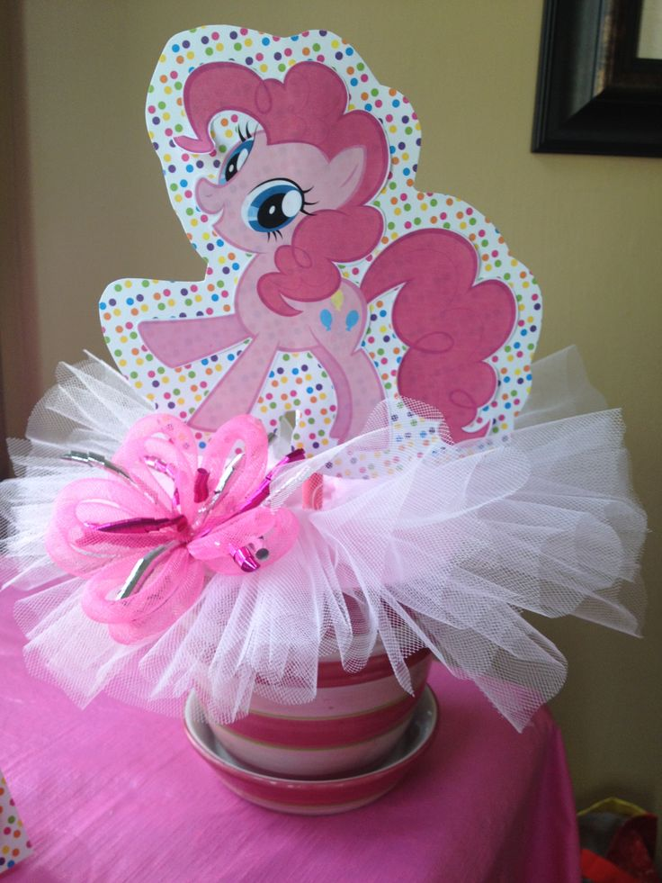 My little pony birthday party - Pinkie Pie centrepiece