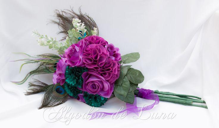 Nuestro Ramo Pavo real es perfecto para conservar Por Siempre Jamás en algodondeluna@gmail.com o 606619349 Ramos de novia diferentes