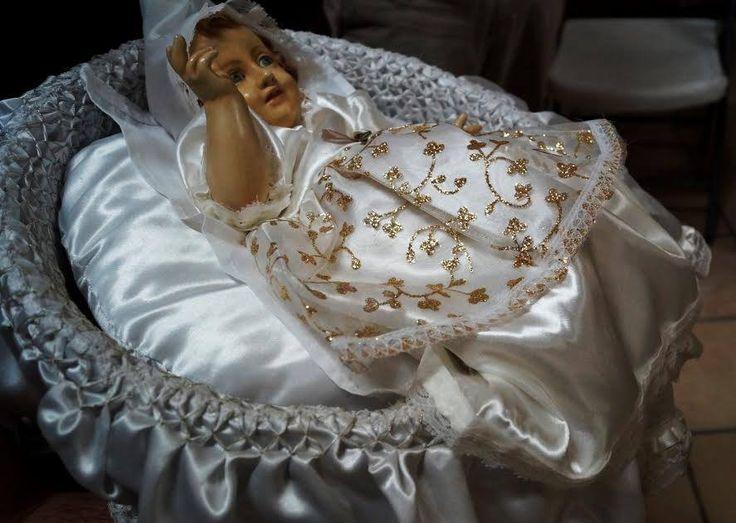 Entérate de cómo se llevó a cabo la tradición de levantar al niño Dios. http://www.capuchinosnormex.com/tradiciones-levantar-al-nino-dios