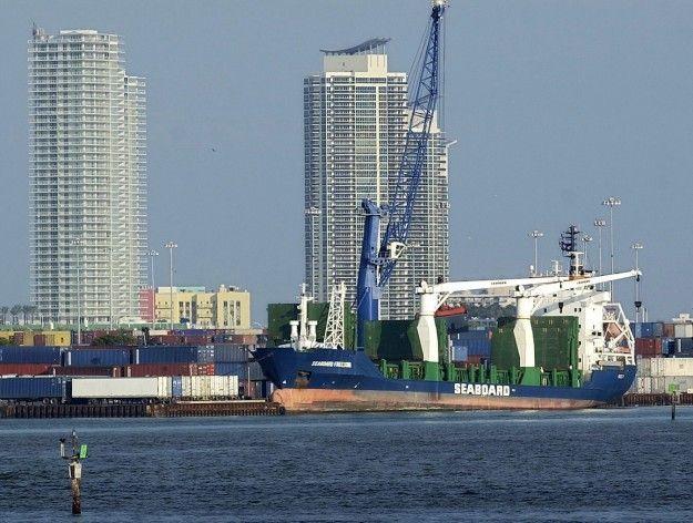 Evacúan terminal de cruceros puerto de  Miami tras hallar paquete sospechoso
