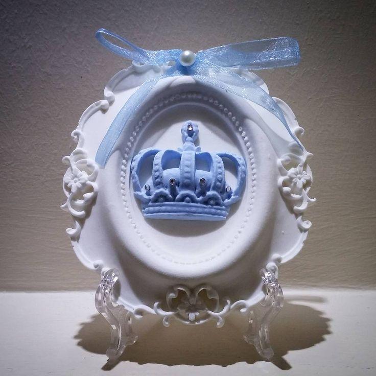 Çerçevenin kralı  Boyutları 13.5 cm x 11.5 cm Bilgi için whatsapp 0544 652 54 43  #tascerceve #kokulutas #hediye #dekorasyon #kokulutascerceve #kokulutaş #tas #decor #tastasarim #kokulucerceve #tasmodel #bebekhediyesi #minicerceve #erkekbebek #home #isimlik #hediyelik #cerceve #gift #dekoratif #uygunfiyat