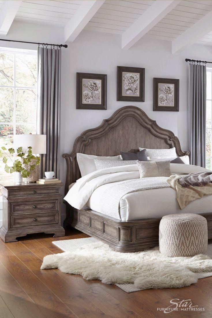 Traditional Bedroom In 2020 Farmhouse Bedroom Decor Bedroom