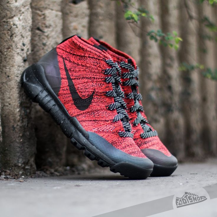 W Nike Flyknit Trainer Chukka pas cher FSB Bright Crimson/ Black-Sequoia.  Entraîneur Nike FlyknitChaussures Pour FemmeFormateurs