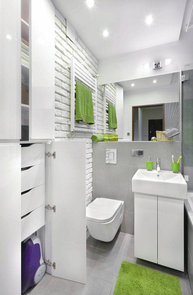 Zdjęcie numer 7 w galerii - Pomysłowa metamorfoza małej łazienki w bloku