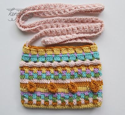KENJIKU let the crochet talk: Merry Crochet Sling Bag Tutorial