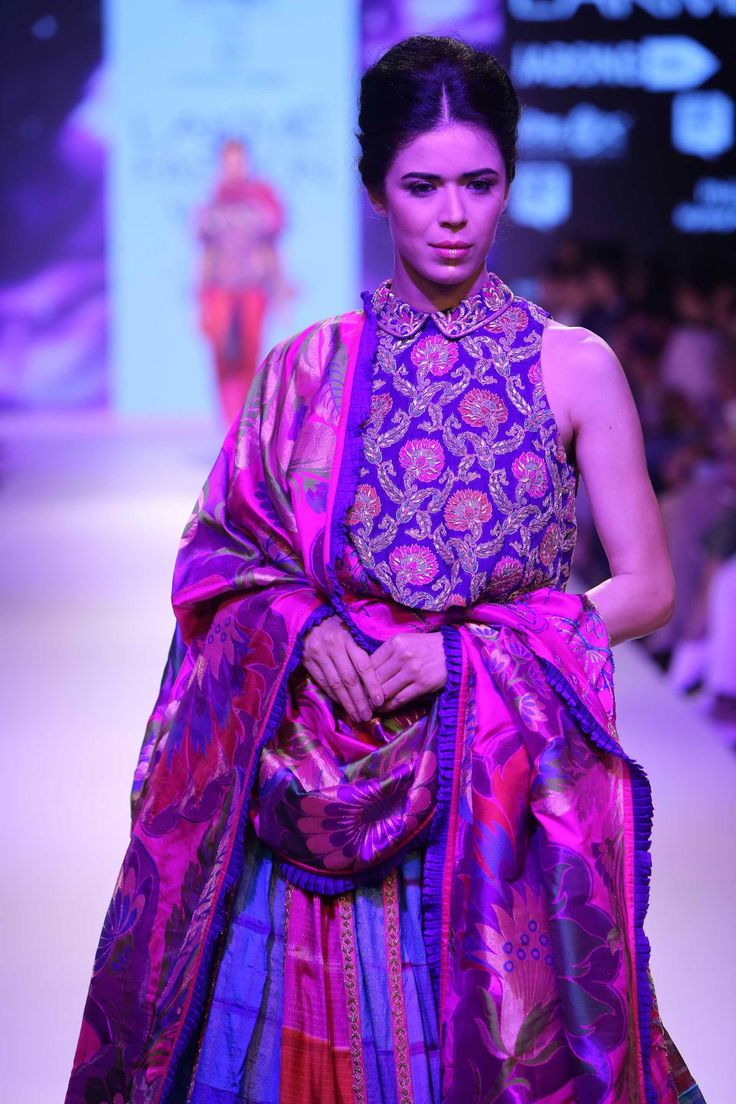 Lakmé Fashion Week – KRISHNA MEHTA AT LFW WF 2015