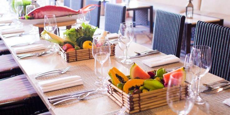 """ロイヤルハワイアンホテルに「ファンタシー・ダイニング・シリーズ」が登場 """"Royal Hawaiian Hotel launches Fanta-Sea Dining Series produced by Chef Colin Hazama"""" #Hawaii #ハワイ  http://www.poohkohawaii.com/gourmet/rh_fantasea.html"""
