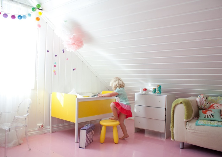 Pink floors, maybe not, but I like the ceiling and couch tucked into the wasted space