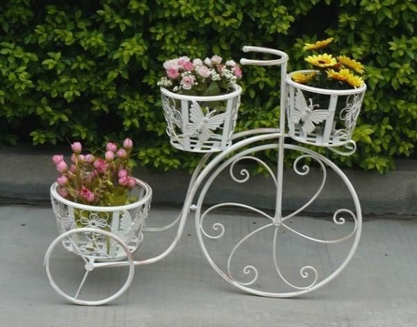 ¿Está buscando algunas ideas frescas sobre cómo decorar su jardín? Entonces, usted está en el camino correcto ya que hoy, nos centraremos en la decoración