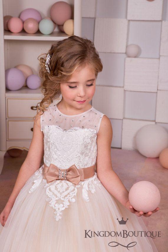 Marfil y Beige niña vestido de flores por KingdomBoutiqueUA
