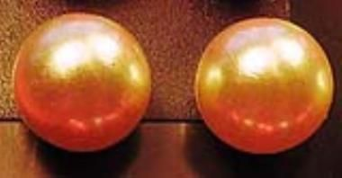 Üveggyöngy fülbevaló gyöngyház-fehér 0,8 cm - Betűzős fülbevalók - Fülbevalók - Ékszerek-Hajbavalók - Rea Tex Kézimunka Webáruház