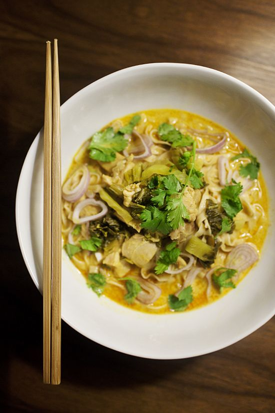 khao soi (burmese-influenced egg noodles in thai curry sauce)