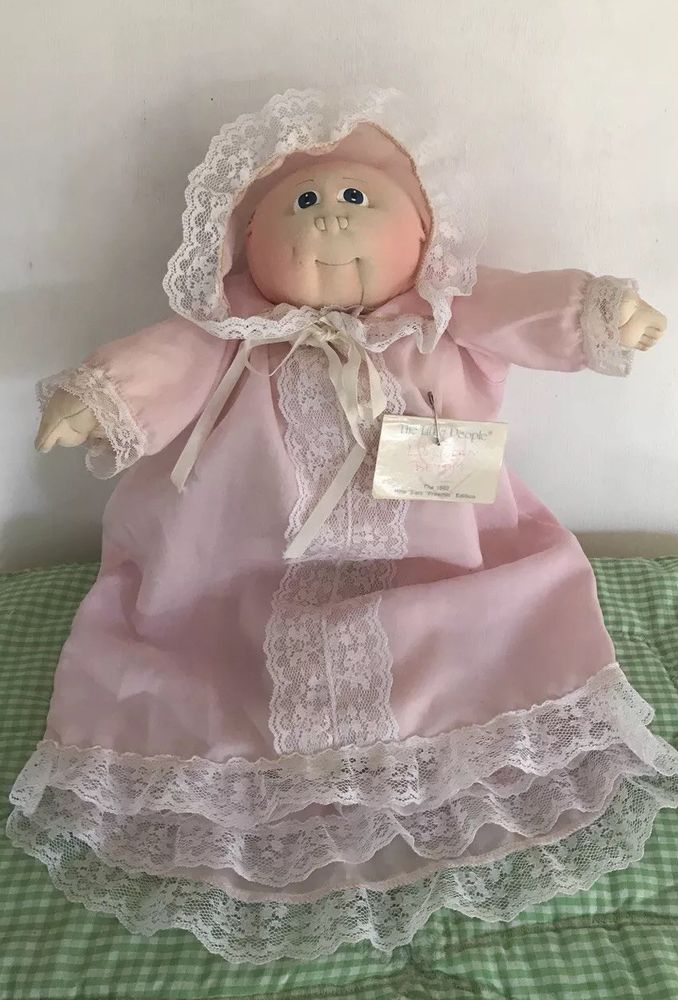 FITS CABBAGE PATCH SOFT SCULPTURE BABY shoes GOLD SIGNATURE