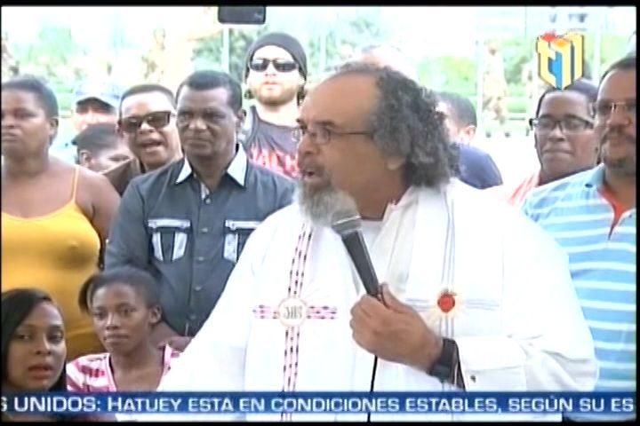Padre Rogelio Realiza Eucaristía En Frente De La JCE Y Llama A Feligreses A No Obedecer Resultados Elecciones