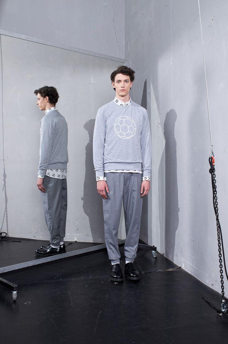 MEI KAWA | Football Graphic Grey Sweatshirt