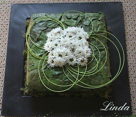 Bladapplicaties met bladeren: bladapplicatie met Hedera maken als mooi bloemstuk als tafeldecoratie