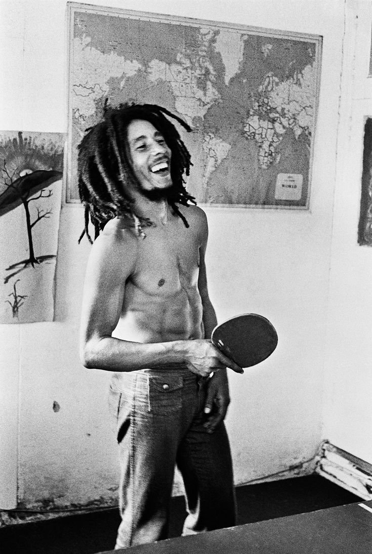I wish i could go back in time and meet this man. He is what this day  age needs. A little more Bob Marley in errybody's life.