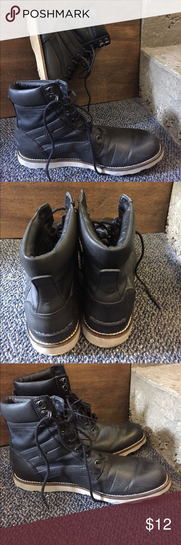 Bar 111 - Black boots size 9.5med Bar 111 - Black Chukka boots . 9.5 Med - slightly worn Bar III Shoes Chukka Boots