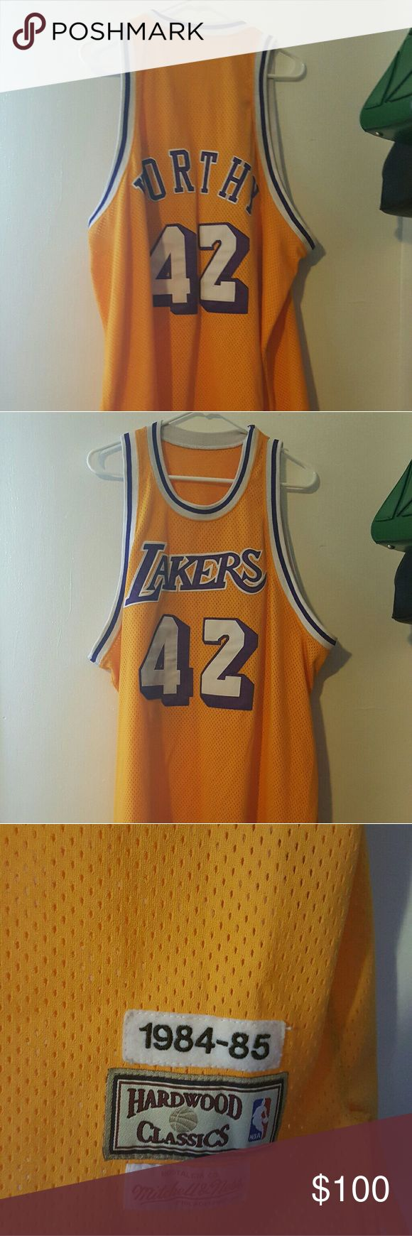 🏀🏀🏀Authentic James Worthy🏀🏀🏀 ⚠️⚠️⚠️For the Fans! As is. No spots or knicks⚠️⚠️⚠️ Mitchell & Ness Shirts