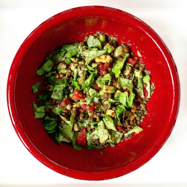 Lentils salad with avocado and grapefruit