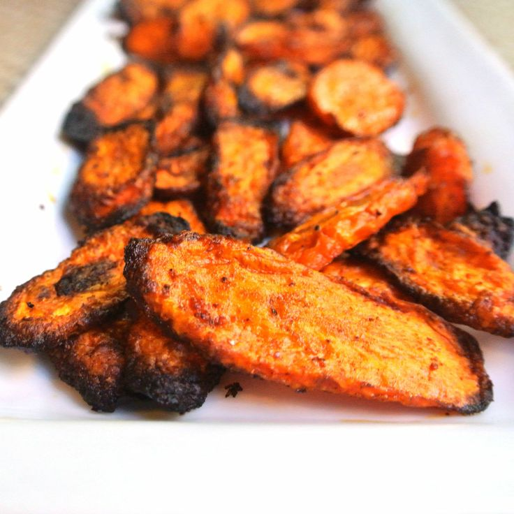 "Negative Calorie Red Roasted Carrots  adapted from Pinterest    1/2 tsp cinnamon,   1/2 tsp paprika,  1/2 tsp chili powder,   1/2 tsp garlic powder   1/2 tsp sea salt.  6 carrots cut into ""chips"""