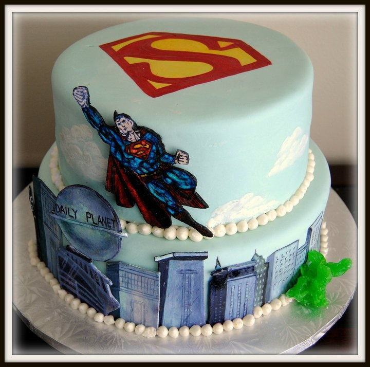 Superman Cake Design Goldilocks : 79 best Superhero Cakes images on Pinterest Superhero ...